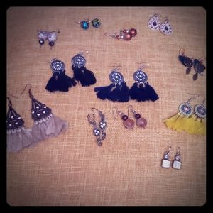 Lot of 12 pairs of earrings